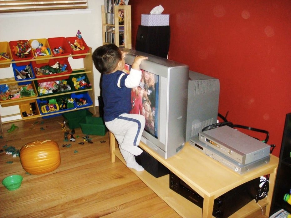 kid climbing appliances hazard maintenance problem